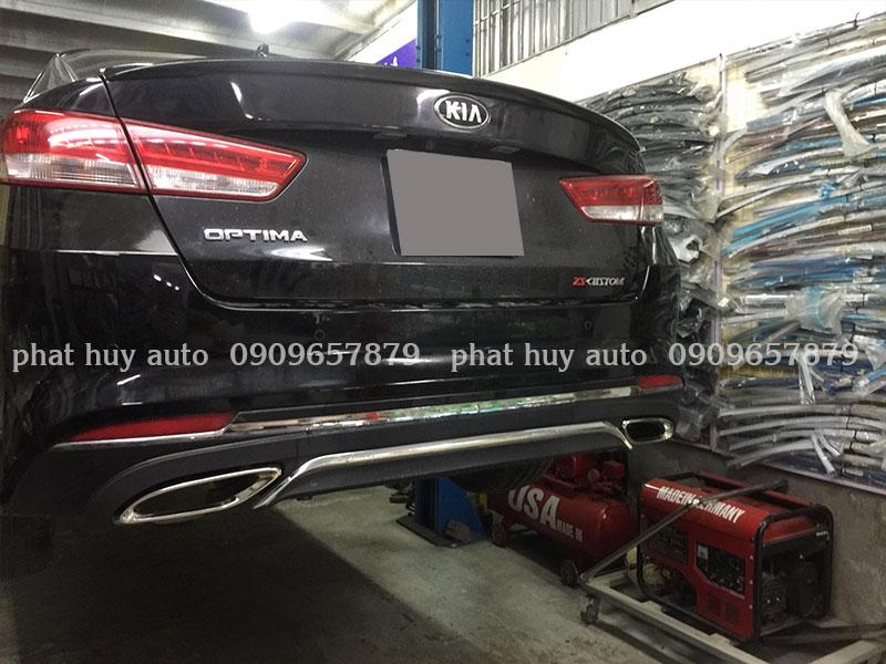 Độ pô cho xe Kia Optima kiểu Mercedes chuyên nghiệp, giá rẻ tại HCM