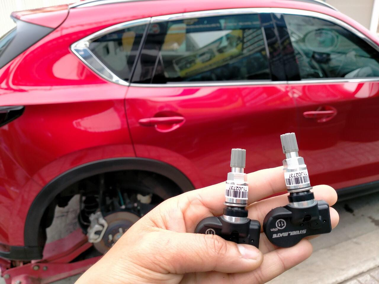 Lắp Cảm biến áp suất lốp xe Mazda CX5 2020 chuyên nghiệp